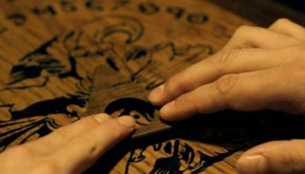 soñar con la tabla ouija